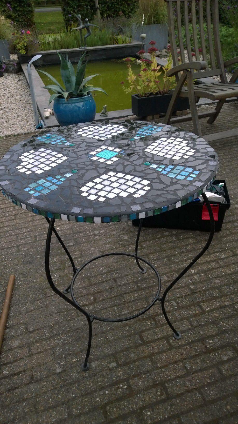 Mozaik tafel voor Merel