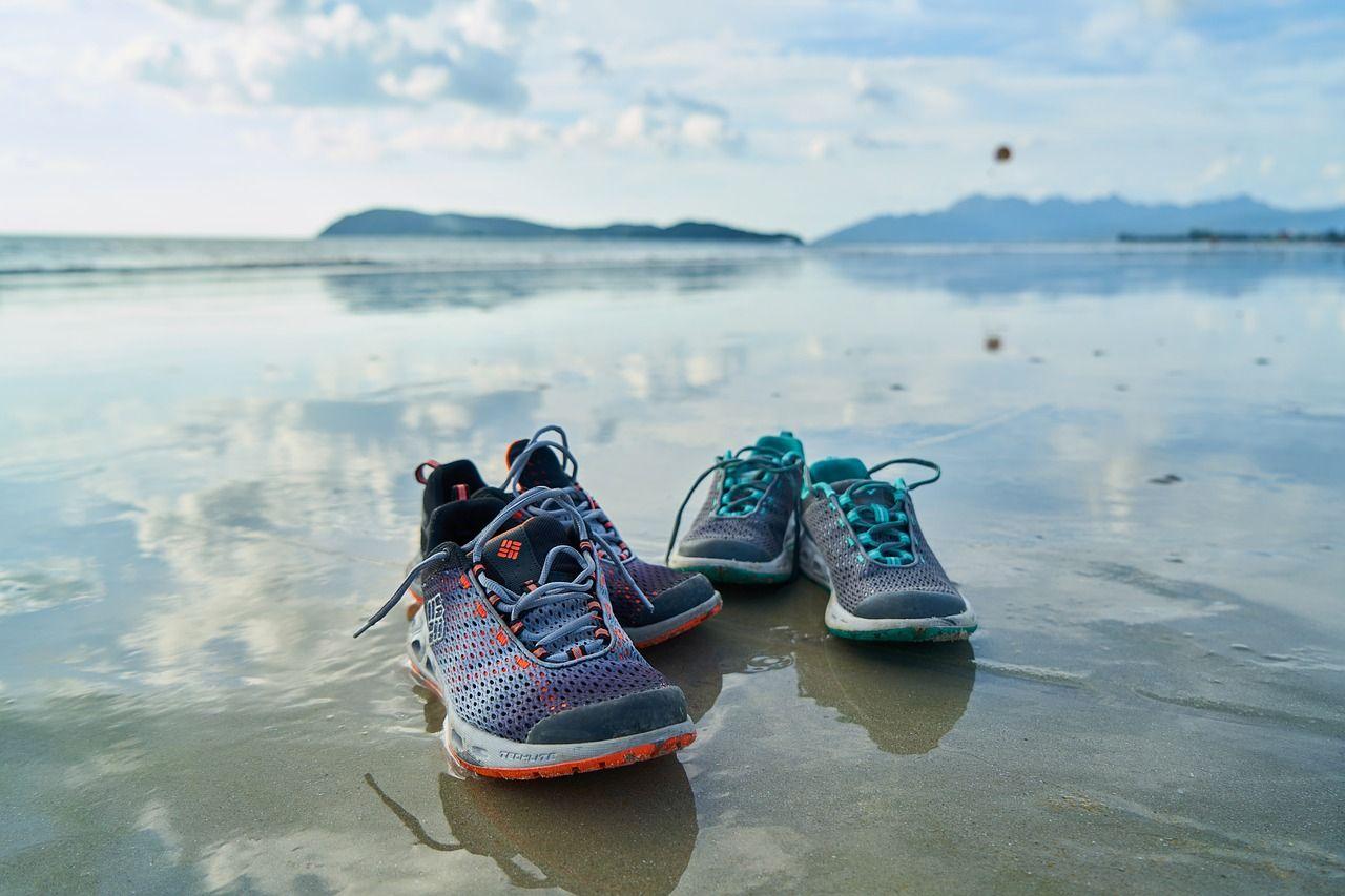 Chcesz Zaczac Biegac Ale Nie Masz Jeszcze Odpowiedniego Sprzetu Zobacz Koniecznie Jak Wybrac Pierwsze Shoes For High Arches Best Running Shoes Running Shoes