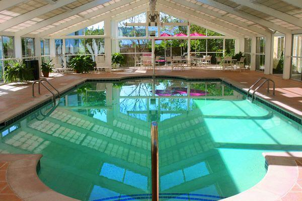 La Quinta Inn Suites Pigeon Forge Walden S Landing Pet Friendly La Quinta Inn Hotel Amenities Hotel