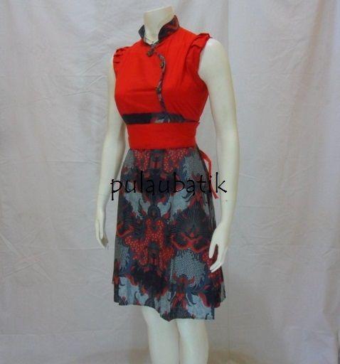 Koleksi busana model dress batik cantik tanpa lengan di toko butik