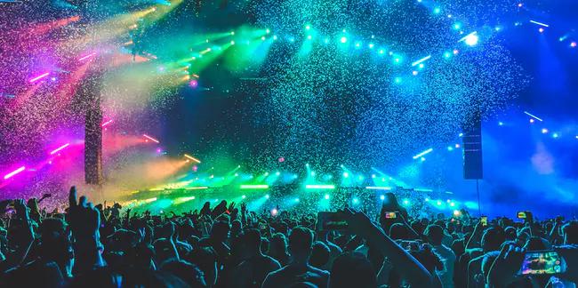 Edm For Some Strobe Lights During Concerts Triple Risk Of Epileptic Fits Concert Dj Good Music