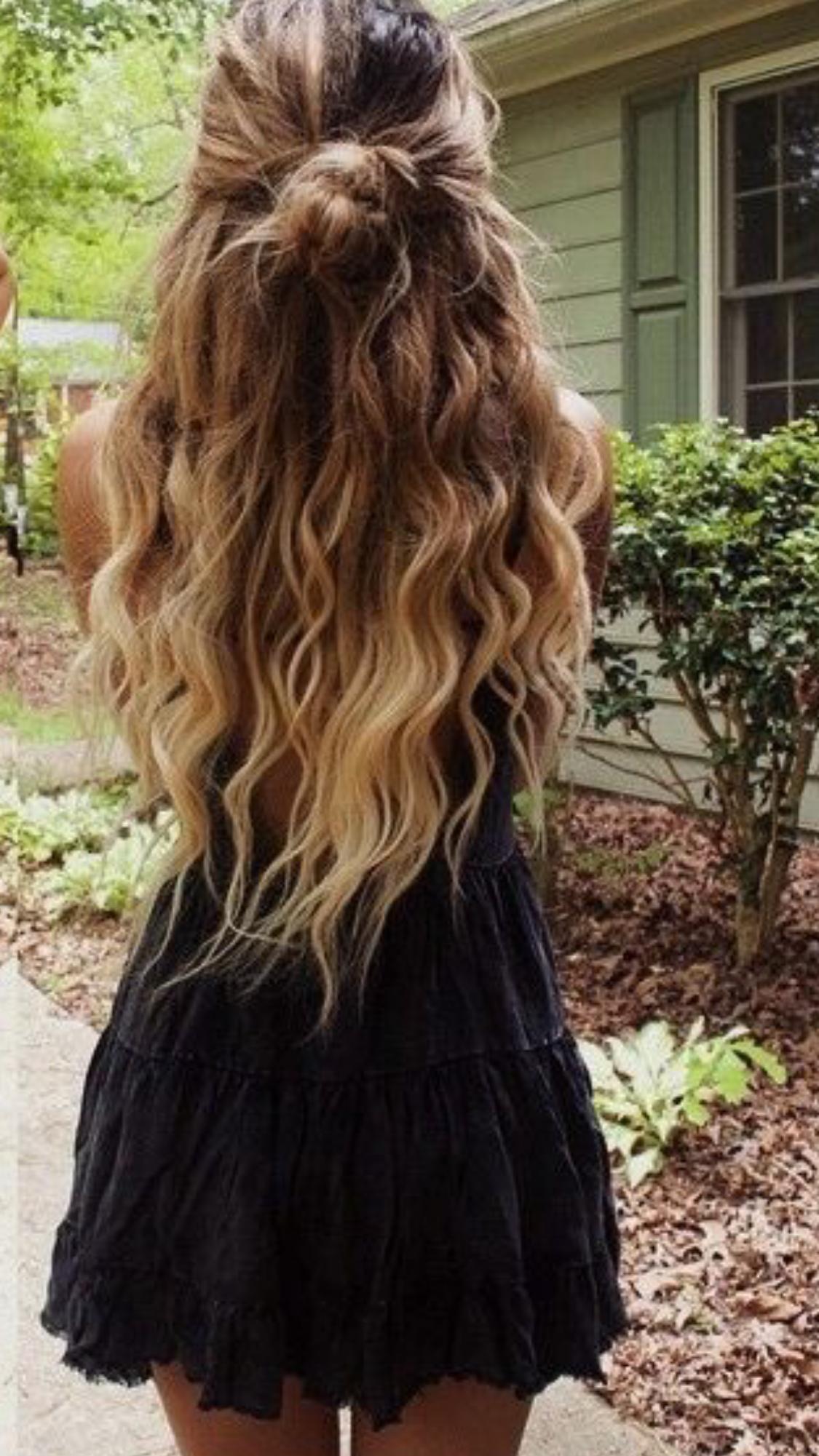 Caught the eye! | Long hair styles, Hair styles, Curly ...