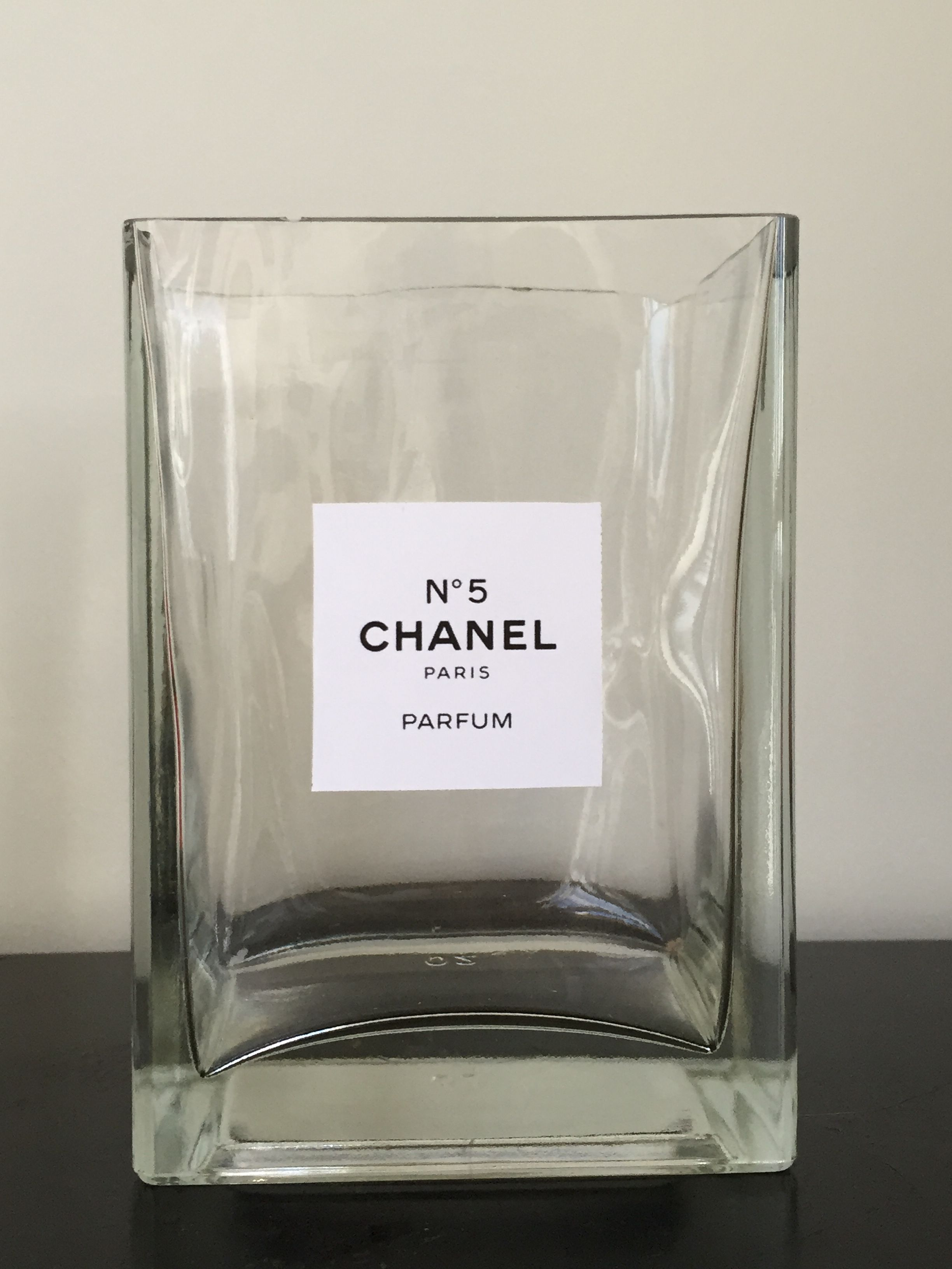 Diy Chanel No 5 Vase Diy In 2019 Chanel Decor Diy