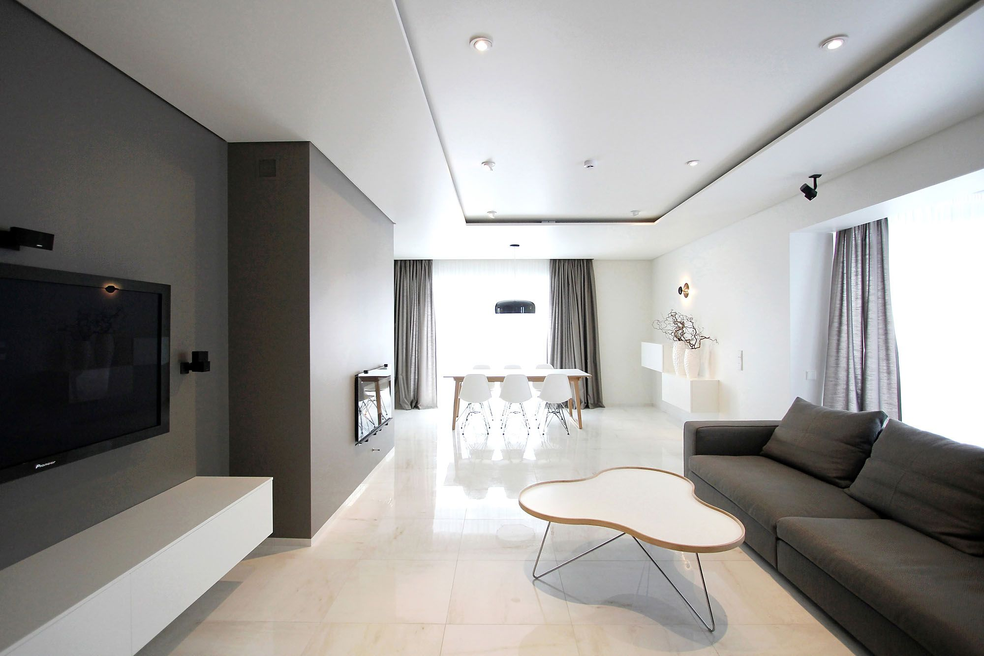 Minimal Style and White Colour Theme of House 02 by Ramunas Manikas ...