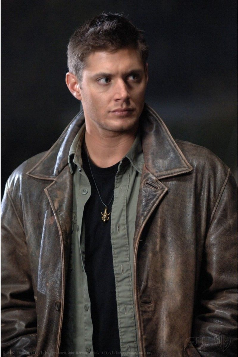 Pin By Austin Gray On Supernatural Supernatural Dean Winchester Pleather Jacket Dean Winchester Cosplay [ 1200 x 800 Pixel ]