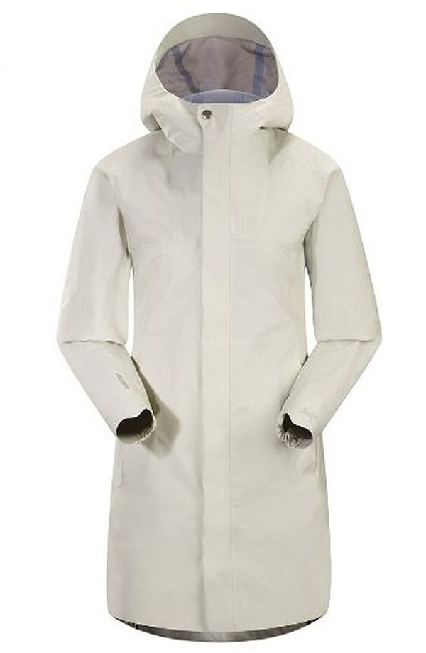Stay Stylishly Dry with these 18 Travel Raincoats for Women ...