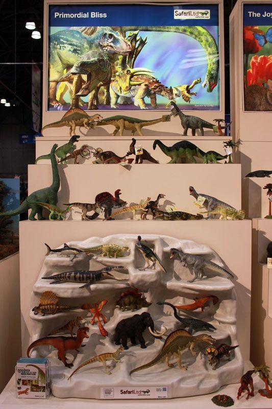 Prehistoric Animals Toys : Fantastico display by safari ltd dinosaurs