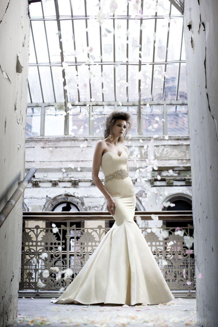 Fall 2011 Wedding Dresses: Old World Glamour, Vintage Details ...