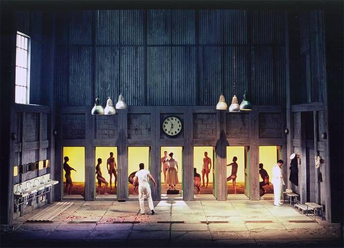 Roni Toren Stage Design Otello / Verdi ,Vlaamse Opera ,(Anrwerpen- Gent) , Belgium ,2001 Conductor : Balazs Kocsar Director : Guy Joosten Set : Roni Toren Costumes : Jorge Jara Lighting : Davy Cunningham Photo : Annemie Augustijns
