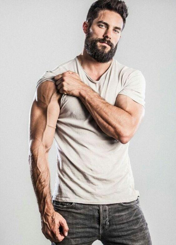Pin de Roberto becerra en HOT MEN | Pinterest | Barbon, Anatomía y ...