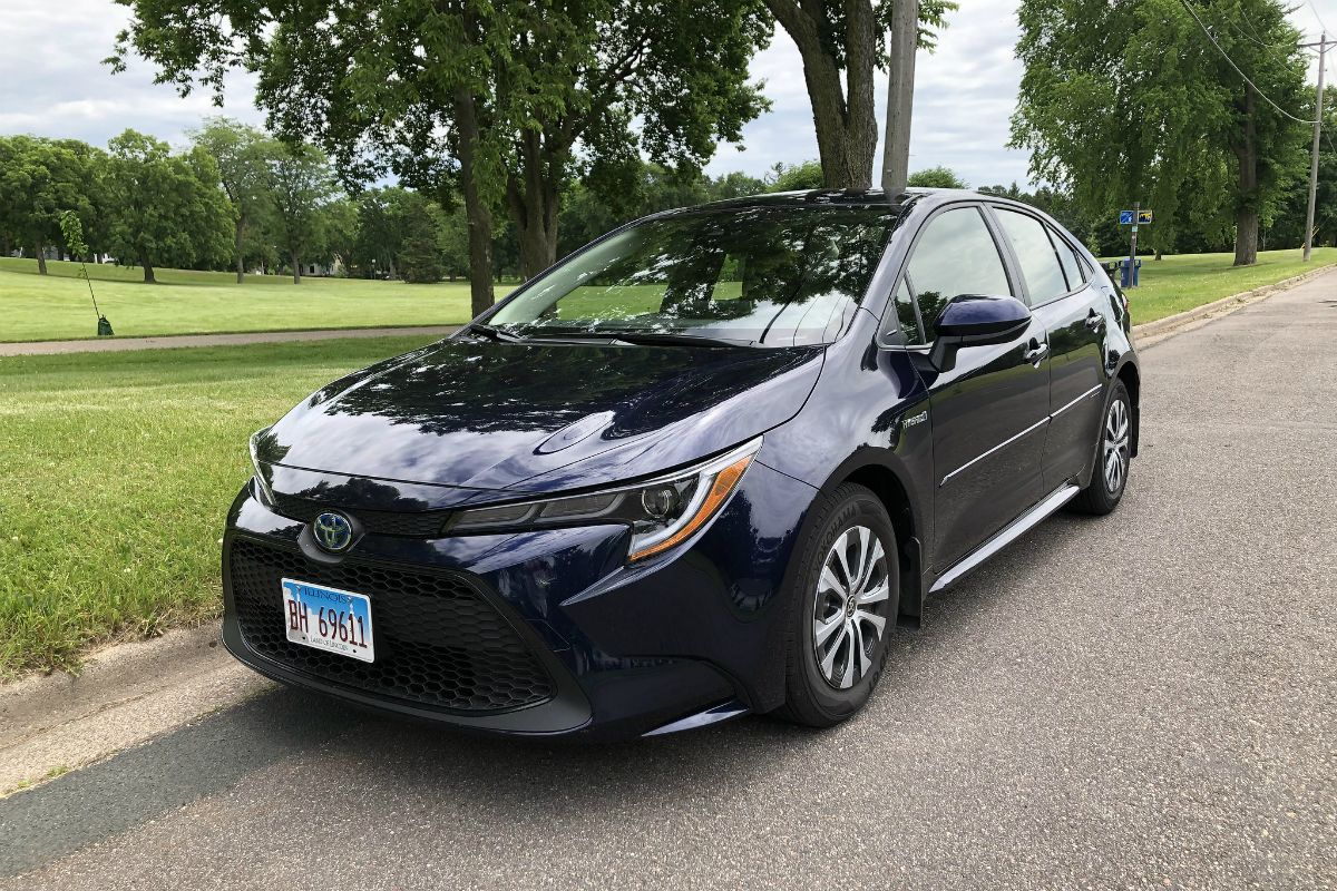 Review Toyota Corolla Sedan Hybrid 2020 Review And Images Feels Free To Follow Us 2020