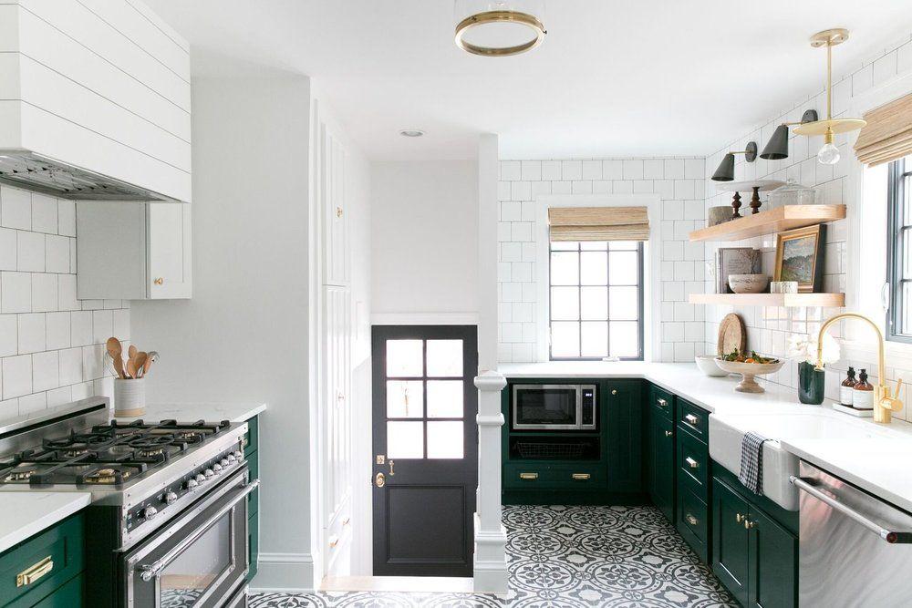 Modern Vintage Kitchen with cabinets in Benjamin