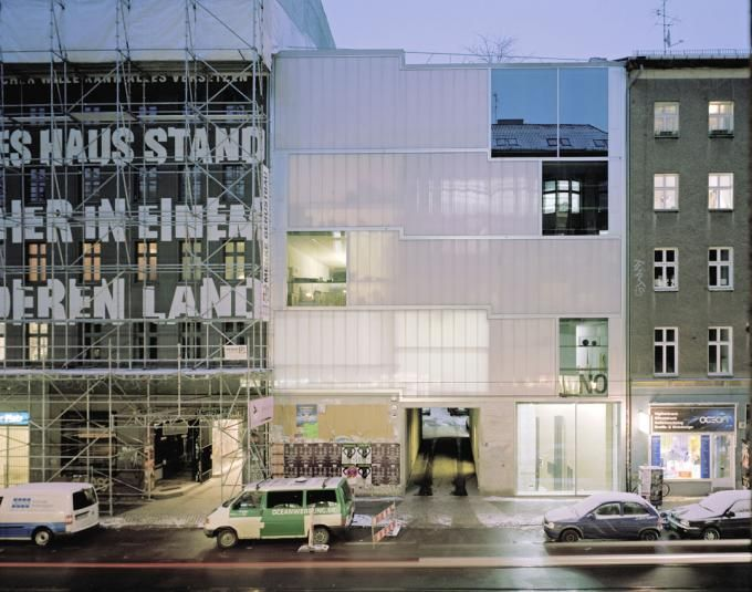 Brandlhuber+ Emde, ERA, Schneider 0113 Brunnenstrasse, 2007-2010. Cortesía de Bielefelder Kunstverein. Señala encima de la imagen para verla más grande.