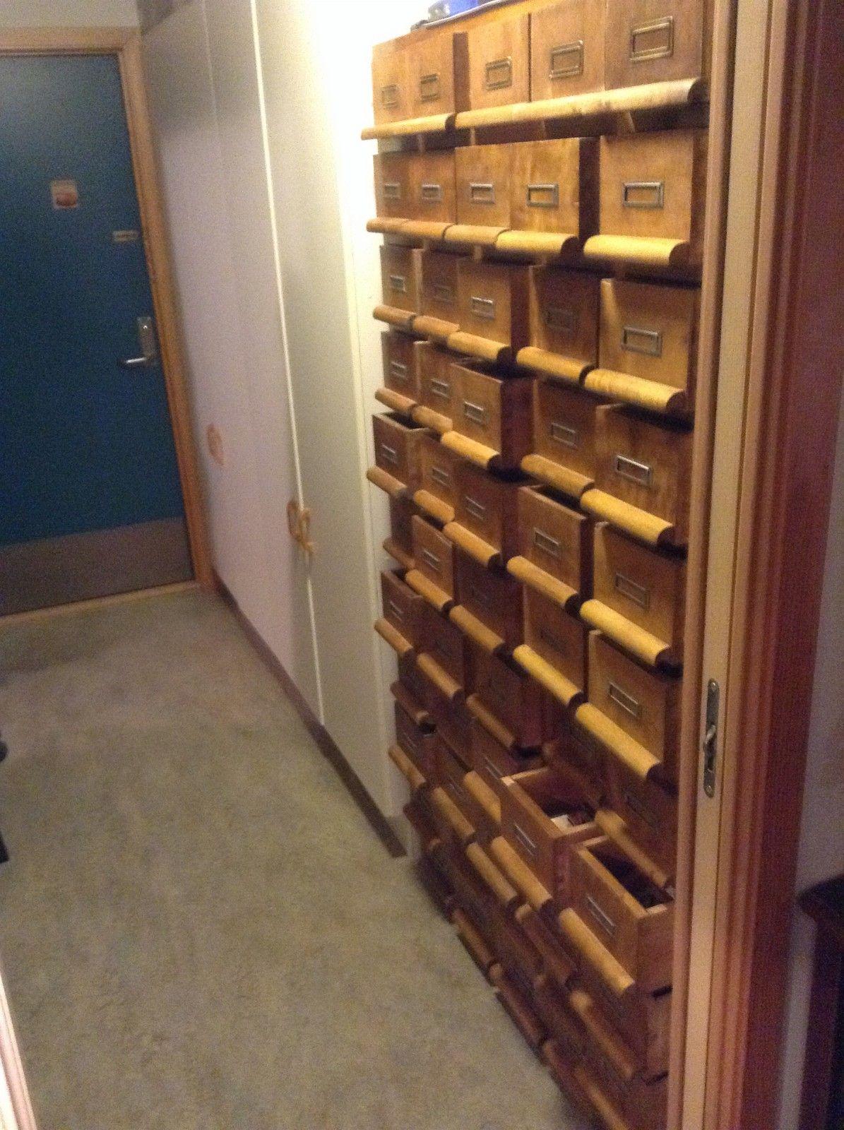 FINN – Antik arkiv skap 54 skuffer 1900 tall