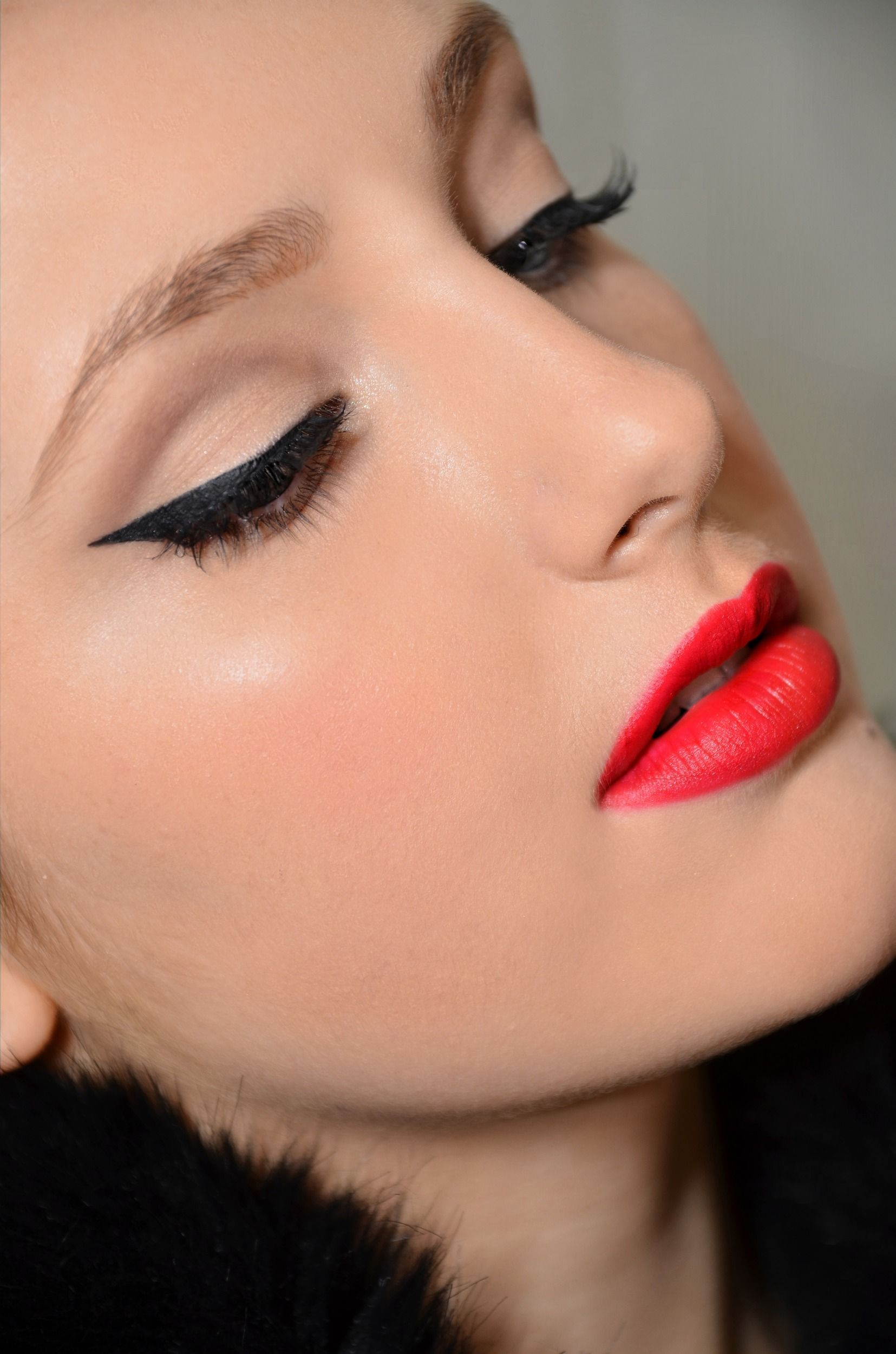 Elegant Makeup with 1950\\\'s Makeup Step by Step with