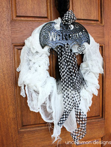 Spooky Halloween Mummy Wreath from @Bonnie &  Trish { Uncommon Designs } #SpookySpaces