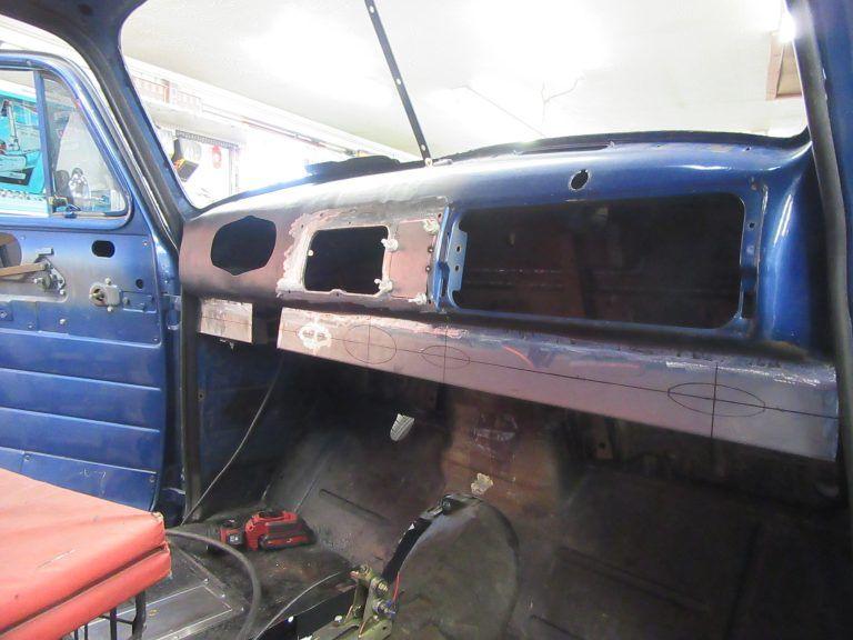 Bluey Trick Truck N Rod In 2020 Classic Trucks Chevy Trucks Chevy 3100