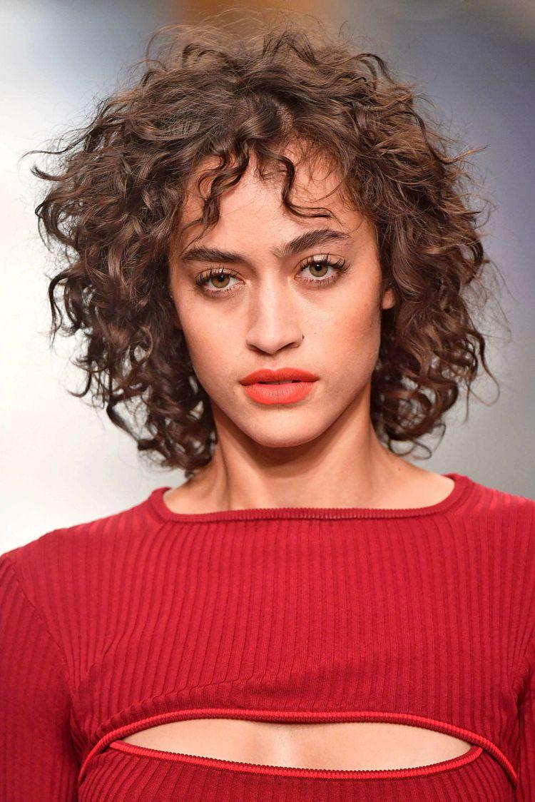 Naturlocken kurz Haarschnitt stark gestuft #hairstyles #hair