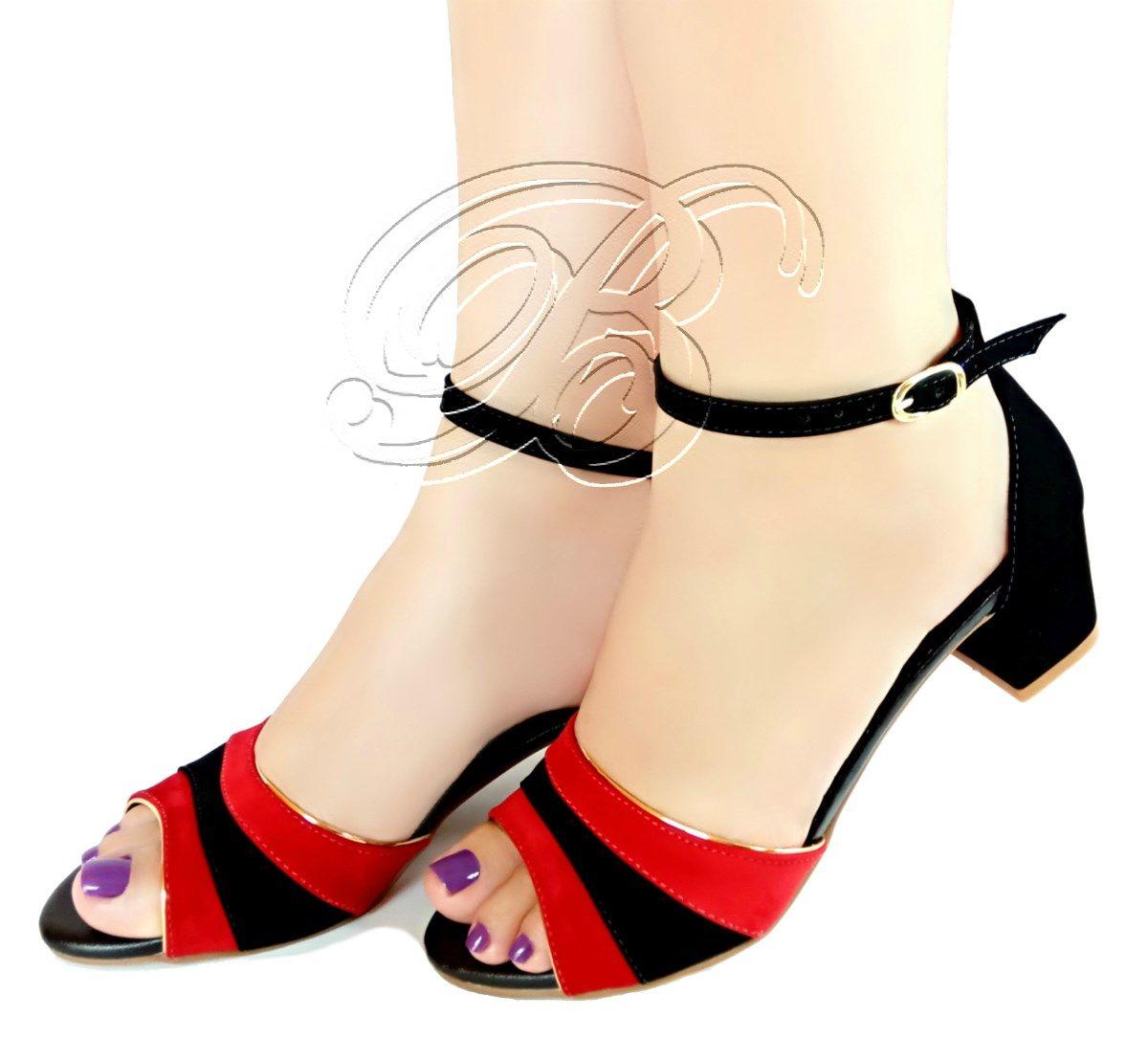 eba8be36fd Delicada sandália baixa em preto e vermelho.. Salto com 4