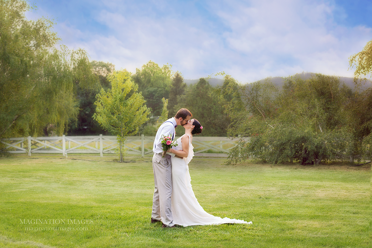 Magination_Images_Southern_Oregon_Photographer__1_1200.png 1,200×800 pixels Bride and groom share first kiss at first look