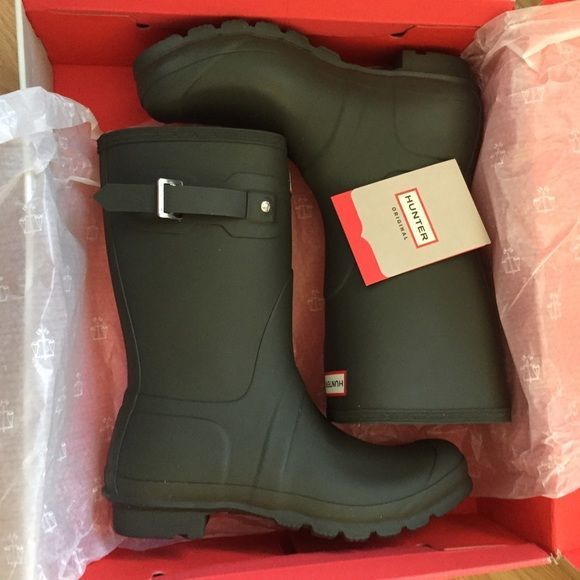 Brand new dark olive original short hunter boots! Original short women's hunter  boots in a dark olive green. Size 10. I can ship in the box for an ...