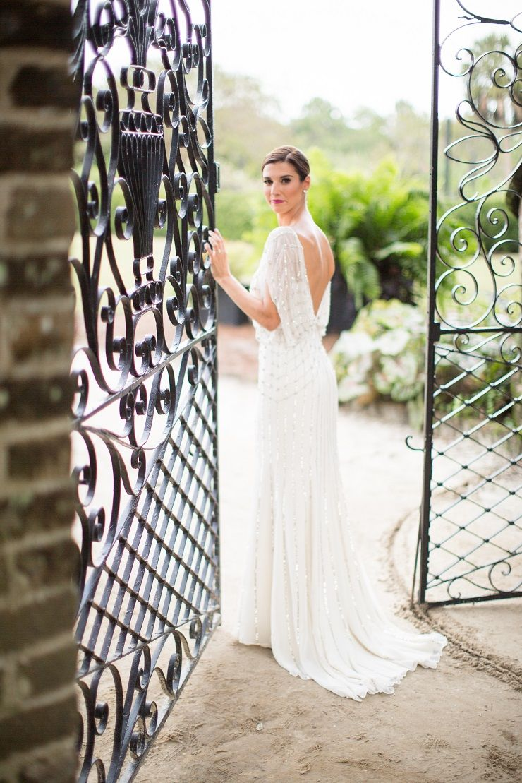 A Jenny Packham Wedding Dress for A Truly Glamorous Autumn Wedding | fabmood.com #autumnwedding
