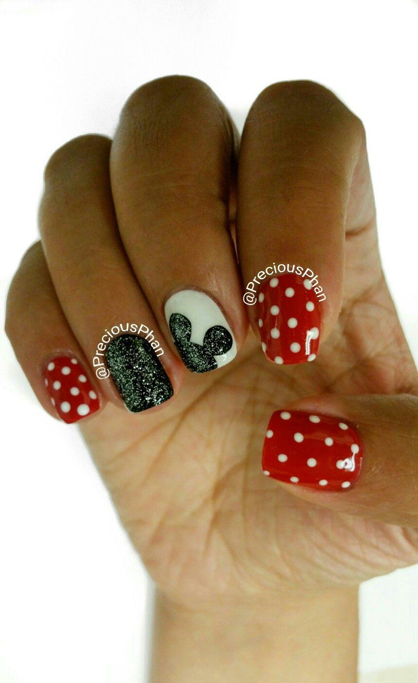 mickey mouse nails. disneyland