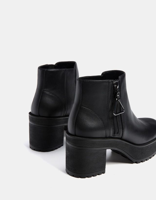 891a31ee807f4 Bottes et bottines - CHAUSSURES - FEMME - Bershka Maroc   Physique ...
