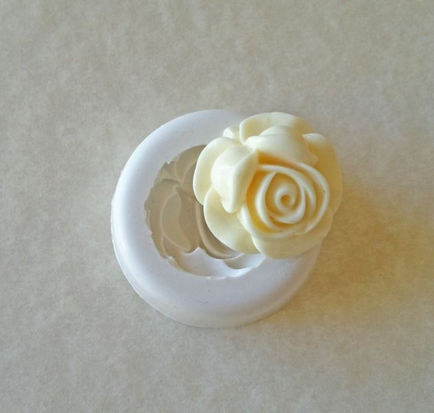 177. Rosa bianca. Stampo  in silicone. di My Candy Moulds su DaWanda.com