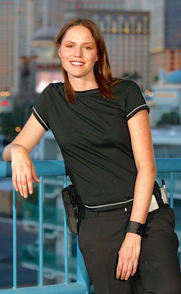 Jorja Fox As Sara Sidle Csi Las Vegas Las Vegas Vegas C S I Las Vegas