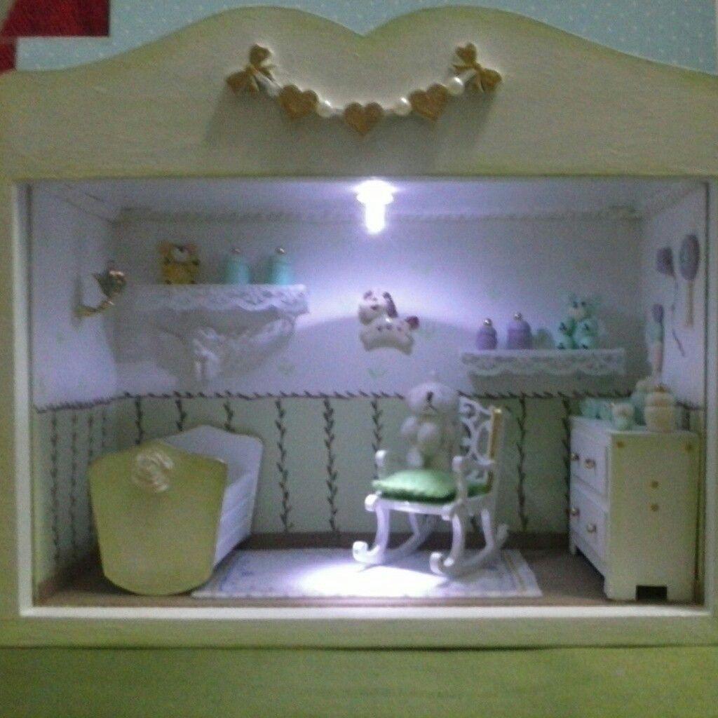 Miniatura de ambiente para quarto de bebê. Artesanato em miniatura.
