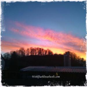 ein wunderschöner, kalliger Sonnenuntergang am Abend vor Weihnachten. Toll !!