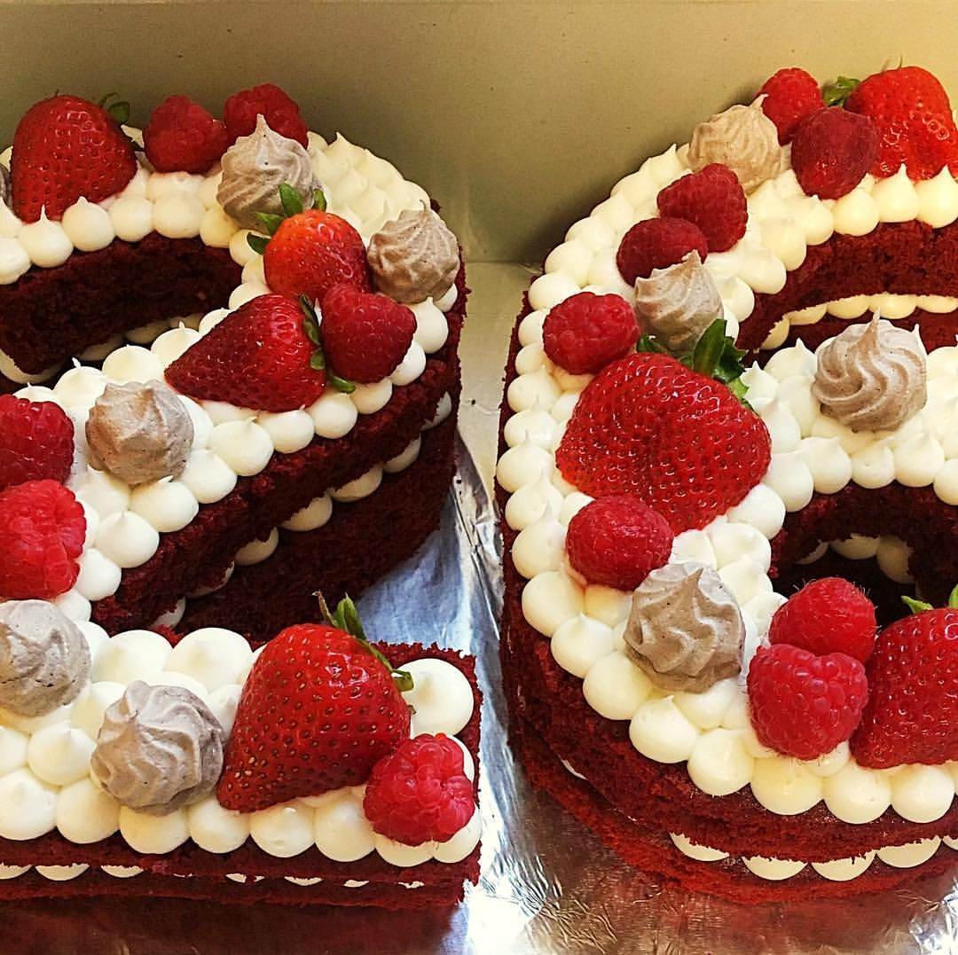 Lovely Red Velvet Cake For A 26th Birthday Celebration Today The Girl Is In Sweet Surprise From Her Bestie Redvelvet