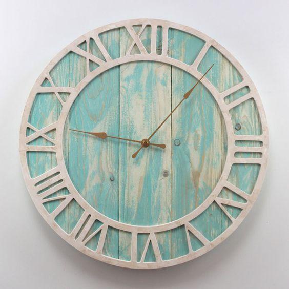 Reloj de pared madera verde crema bar pinterest - Reloj pared madera ...