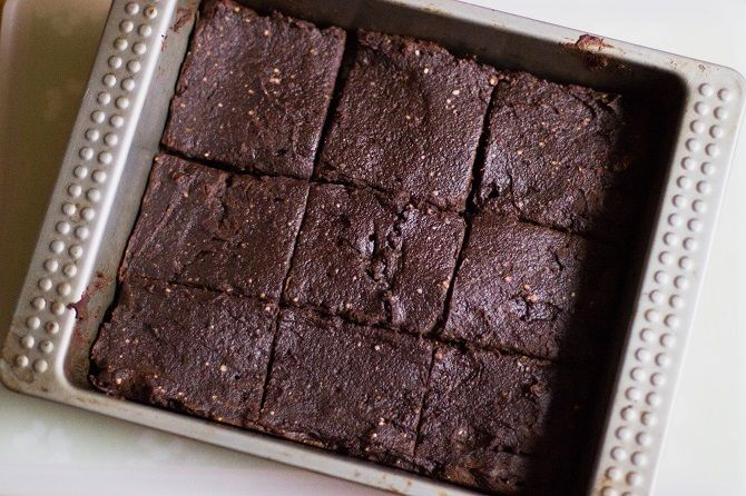 How to Stay Basic this Winter with 100 Calorie Pumpkin Brownies