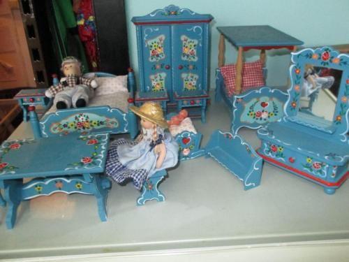 Puppenmöbel von Dora Kuhn in Sachsen - Chemnitz Kunst und