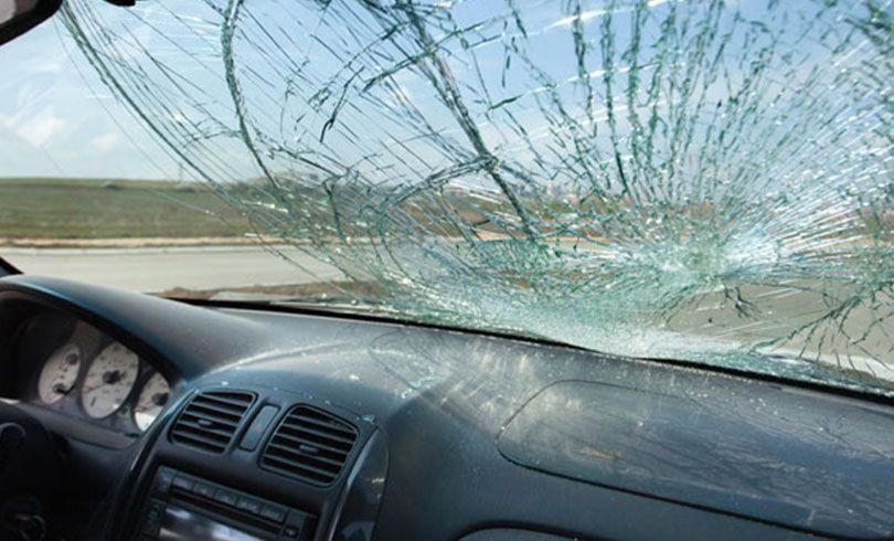 Broken Windshield Need Replacement Quote Car Window Repair