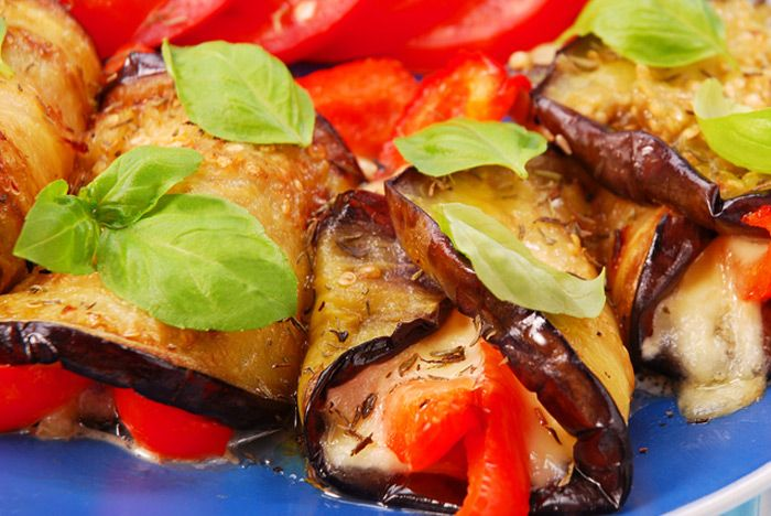 Crepes with mozzarella, basil, tomato and eggplant (will use zucchini)