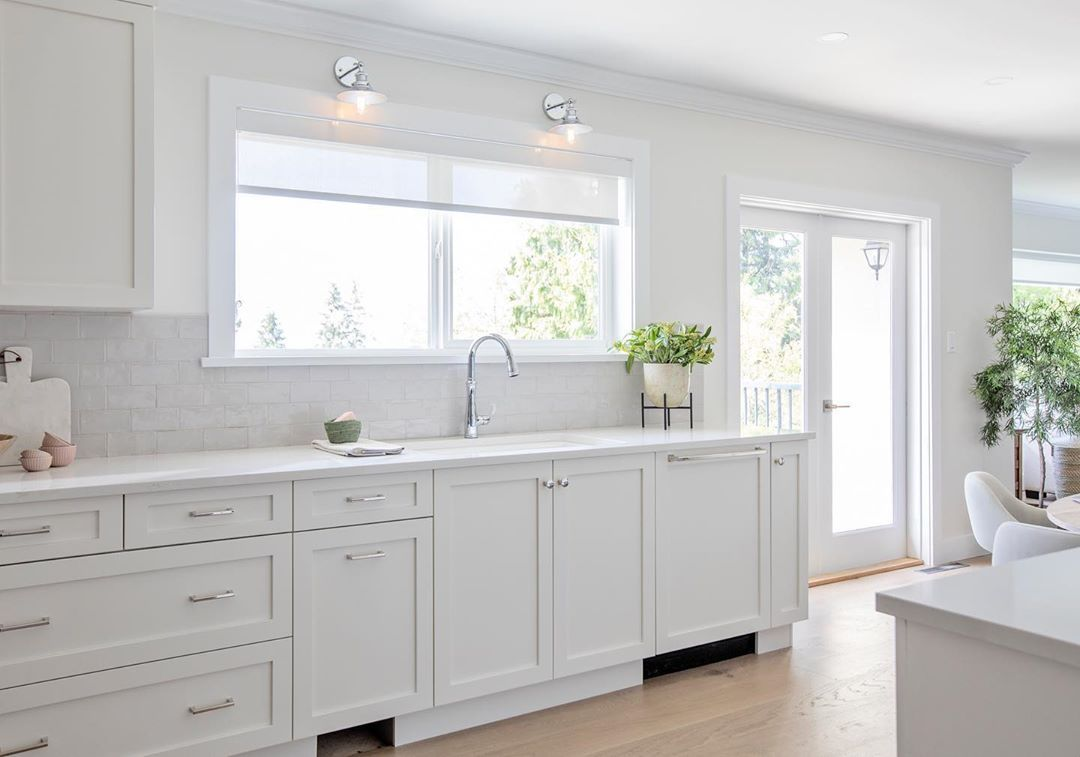 Love It Or List It Vancouver On Instagram Who Doesn T Love A Bright Sunny Kitchen Tune In Tonight At 10pm Et Pt On Stunning Kitchens Kitchen Sweet Home
