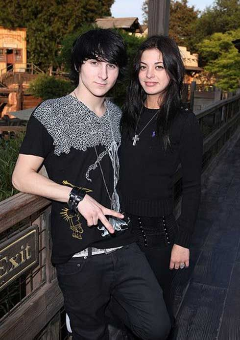 Actor Mitchel Musso back together with ex-girlfriend Gia Mantegna? Are they dating again?