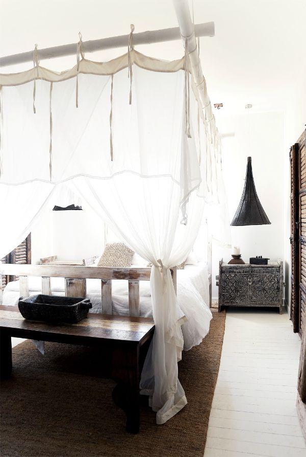 Dormitorio de una casa en Australia con fuertes inspiraciones