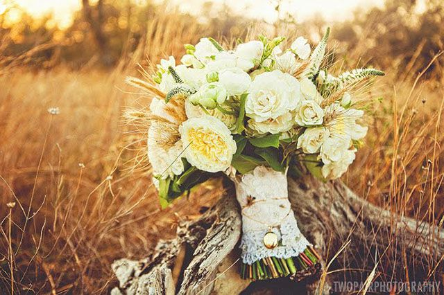 Pretty! Wheat and Roses Bouquet