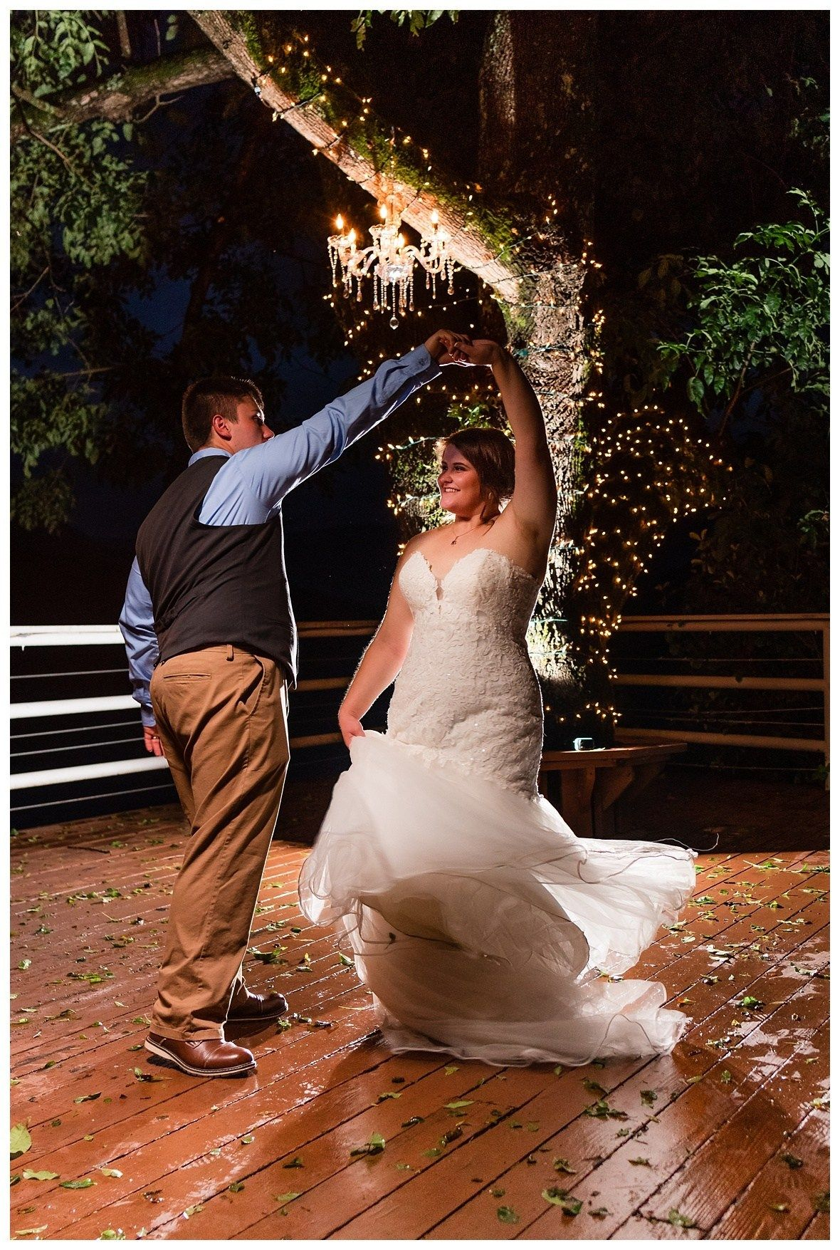Night wedding at River's Edge Venue in Chattanooga ...
