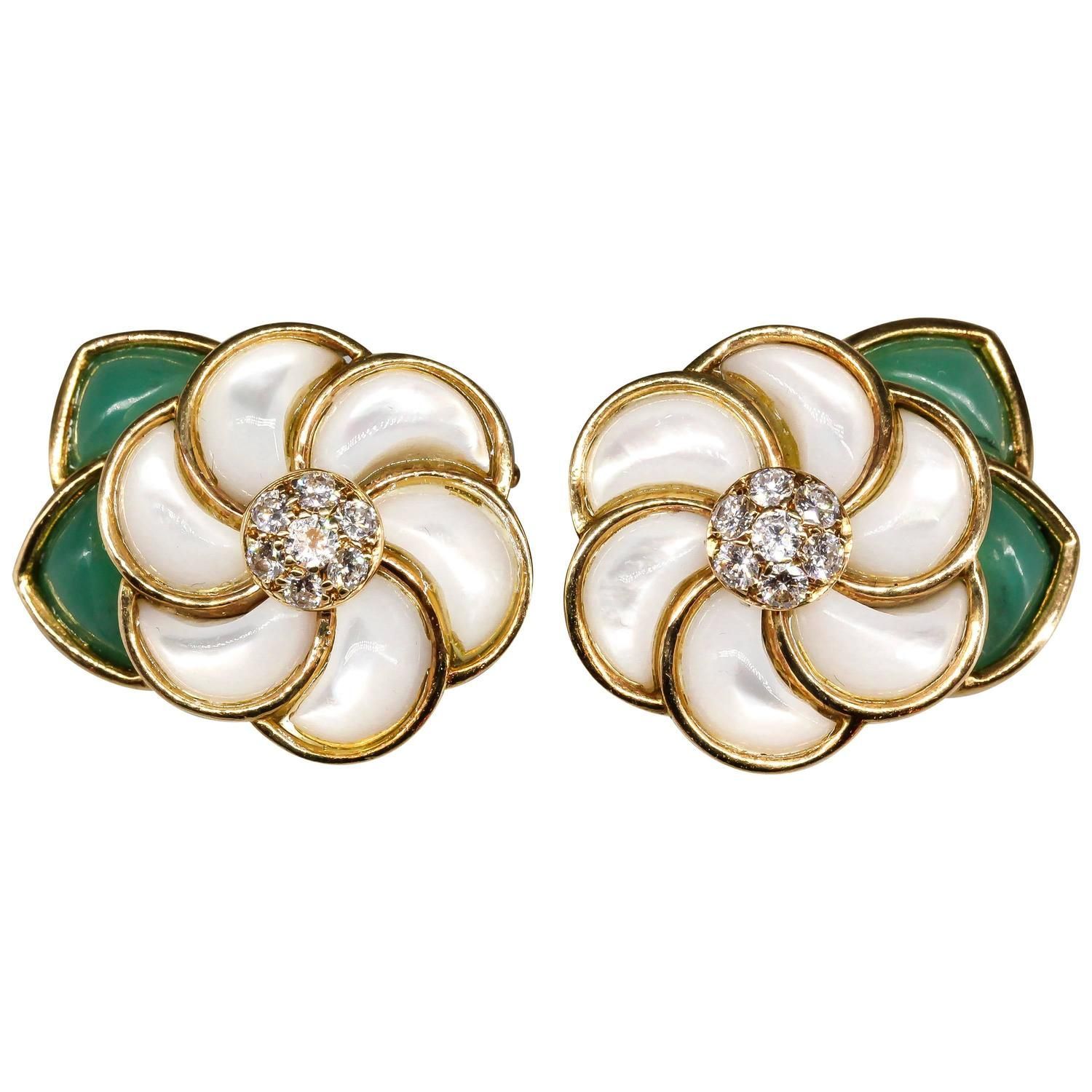 Van Cleef & Arpels Mother Of Pearl Chrysoprase Diamond Gold Flower Earrings   Mothers, Flower Earrings And Pearls