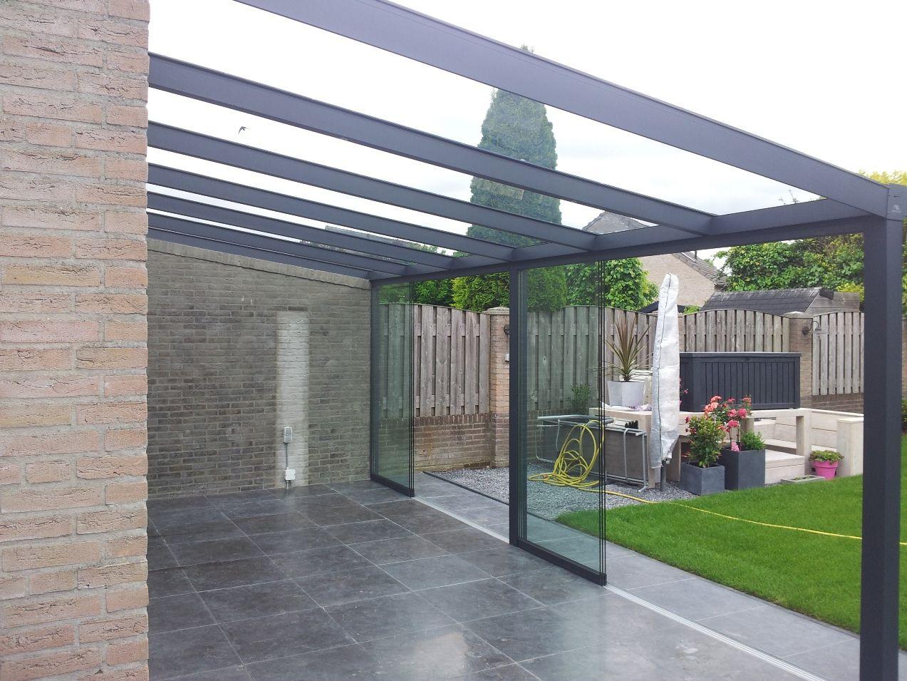 429 gumax terrasoverkapping met glazen dak en glazen schuifwanden