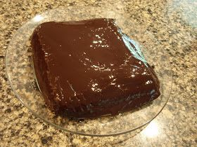 Angie's Suburban Oasis: Paleo/Primal Chocolate Cake with Frosting