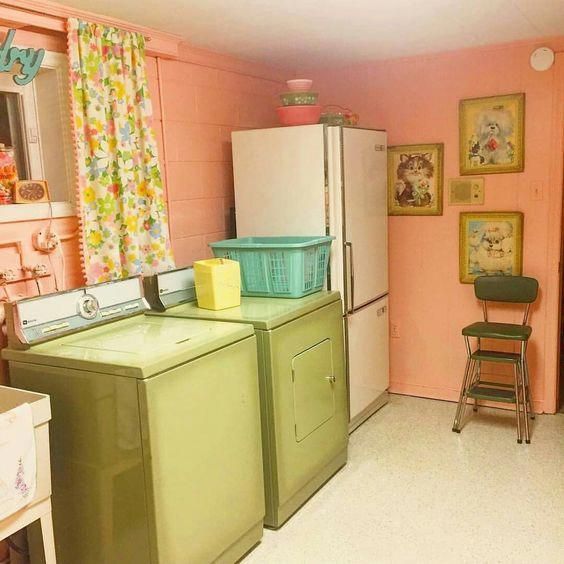 30 Mind Blowing Small Bedroom Decorating Ideas: 30 Home Decor 70s That Will Blow Your Mind #Home Decor 70s