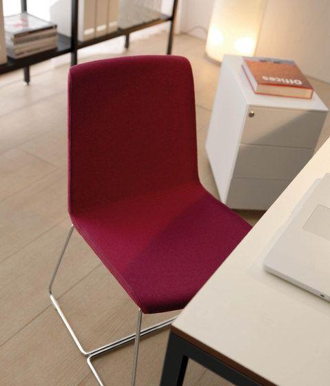 Chaises Sieges Amelie Petit Quinti Sedute Quinti Rd Check It Out On Architonic Mobilier Design Chaise Design Mobilier