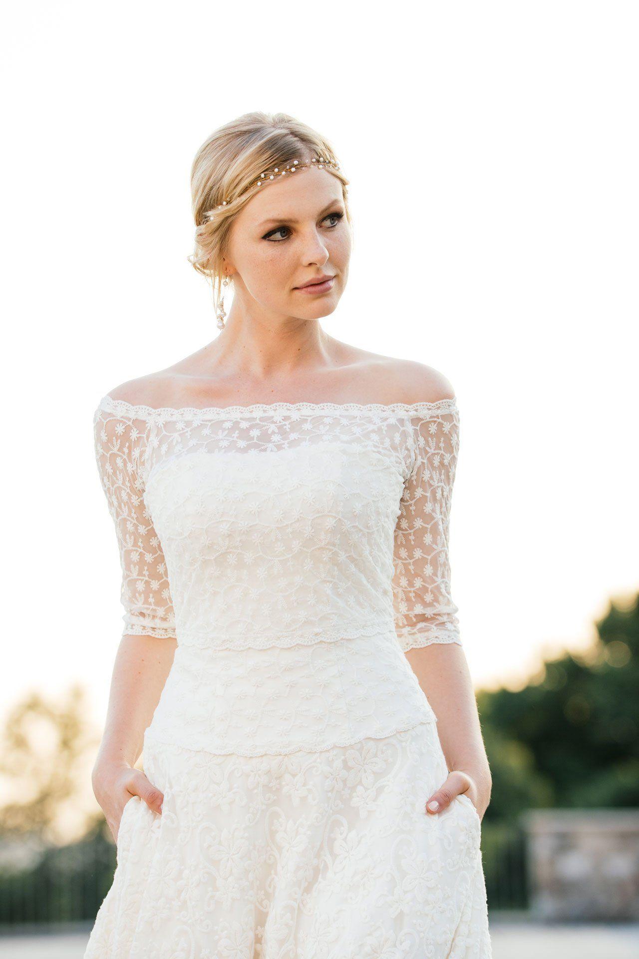 Brautkleid A-Linie mit passendem Blumen-Spitzenbolero – unsere Tilda ...