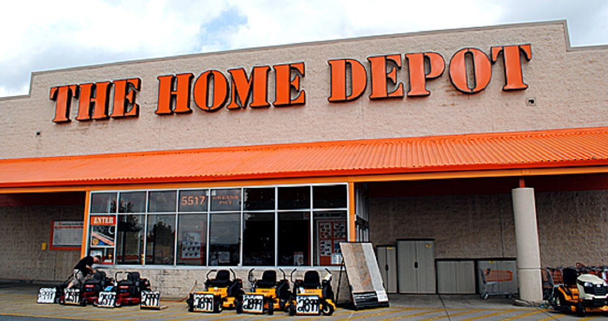 is home depot open on thanksgiving day 2018